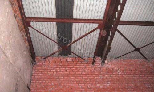 Покрыть односкатную крышу профнастилом своими руками фото 565