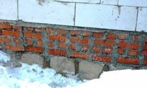 Определение причин деформации стен из газосиликатных блоков